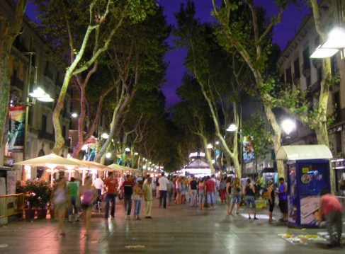 La-Rambla_La-Rambla-view-by-night_3261