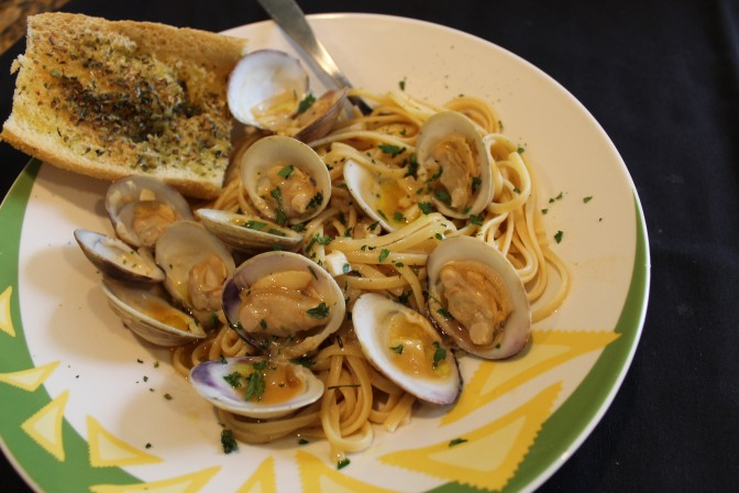 Linguine alle Vongole, Clams in a Wine Broth