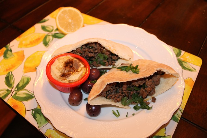 Arayes with side of hummus